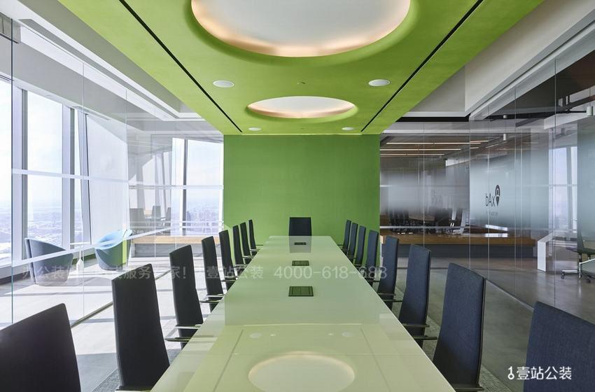 绿色健康的办公室实景图